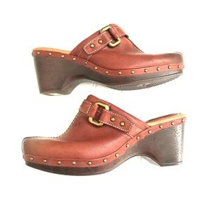 Fossil leather shoes